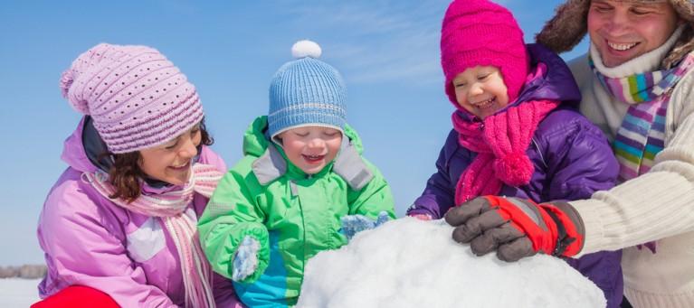 enfants_parent_neige