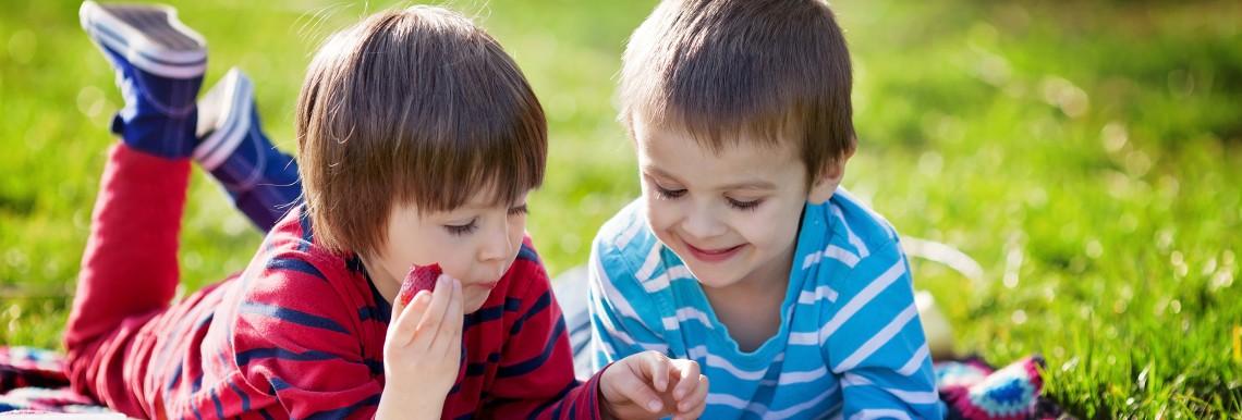 Enfants_lecture_estivale